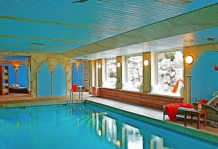 Entspannung bietet Ihnen das Hallenbad des Hotels Azenberg.