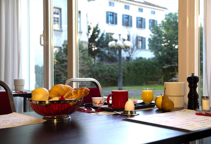 Hotel Wartmann in Winterthur, Schweiz, Frühstücksbuffet
