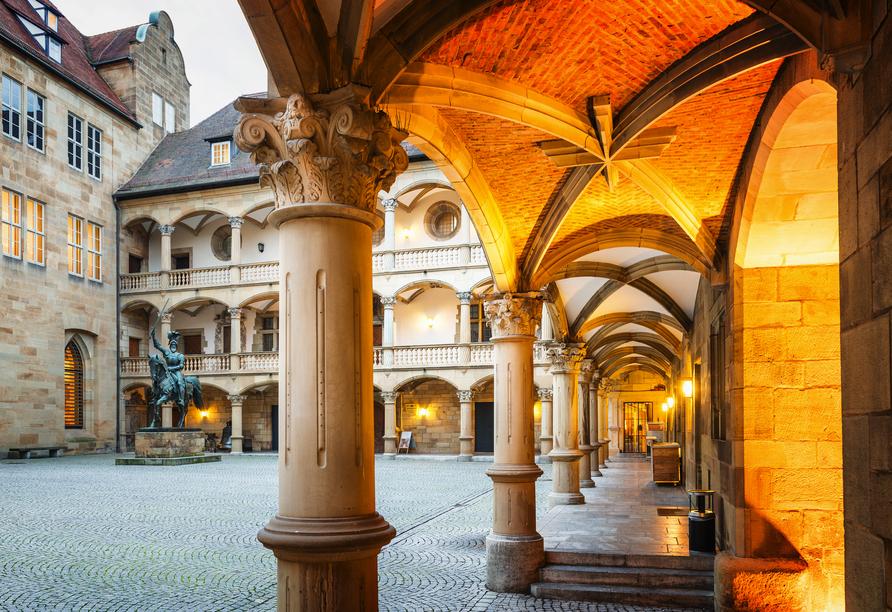 Das Alte Schloss in Stuttgart begeistert mit verspielter Architektur.