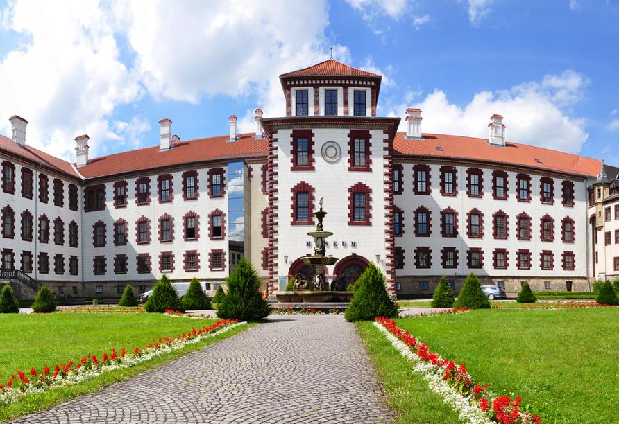 Besichtigen Sie Schloss Elisabethenburg in Meiningen.