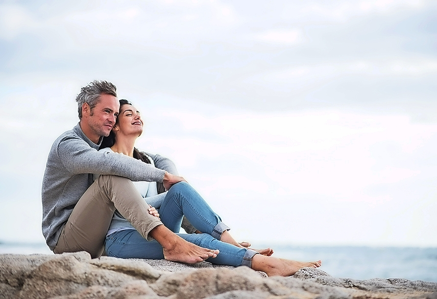 Verbringen Sie entspannte Stunden am schönen Sandstrand.
