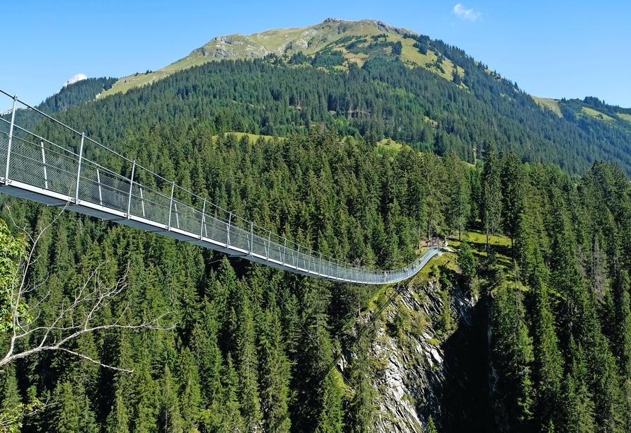 Hotel Resort Alpenrose, Holzgauer Hängebrücke