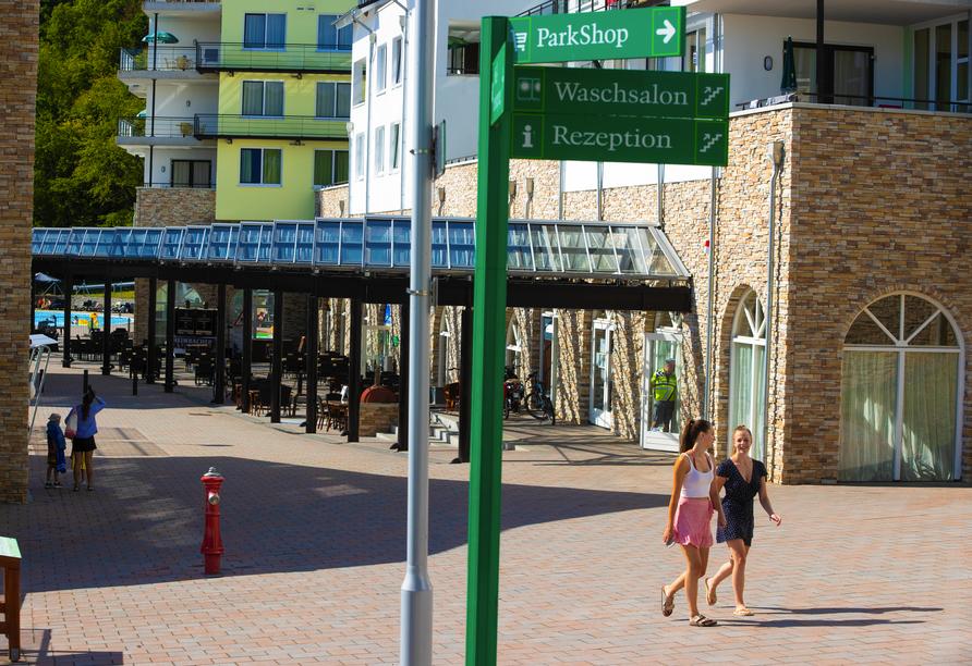 Die Promenade ist das Herzstück des Resorts.