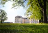 Besuchen Sie Schloss Augustusburg in Brühl.