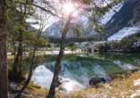 Am Eingang des Obersulzbachtals in der Nähe von Neukirchen liegt in einer Waldnische eingebettet der wunderschöne Blausee.