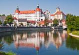 Das prächtige Schloss Neuburg an der Donau ist einen Ausflug wert.