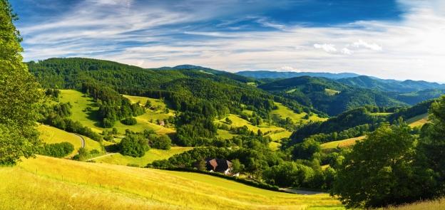 Freuen Sie sich auf atemberaubende Landschaftspanoramen.