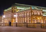 Leonardo Hotel Vienna, Wiener Staatsoper bei Nacht