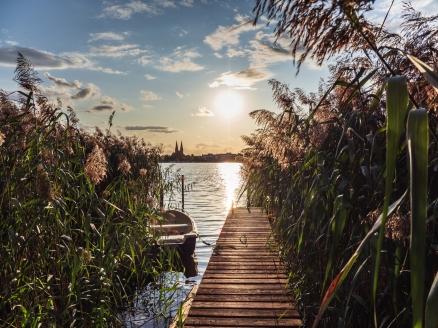 Der Ruppiner See mit Blick auf Neuruppin.