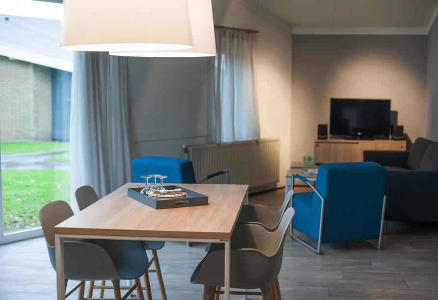 Wohnzimmerbeispiel im Bungalow vom Roompot Hof Domburg.