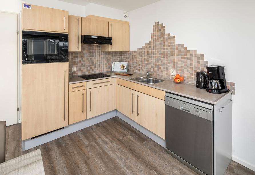 Roompot De Soeten Haert in Noordwelle, Niederlande, Küchenzeile