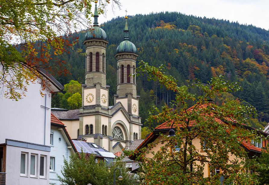 Bei einem historischen Rundgang durch Todtnau-Muggenbrunn kommen Sie auch an der schönen Kirche vorbei.