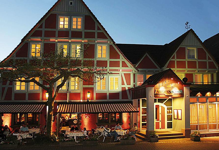 Lassen Sie Ihren Abend entspannt auf der Terrasse der Bier- und Weinbar Sachsenklause ausklingen.