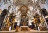 Der Innenraum der Klosterkirche Sankt Emmeram in Regensburg