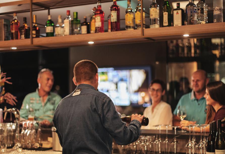 Den Abend können Sie ganz entspannt an der Bar ausklingen lassen.