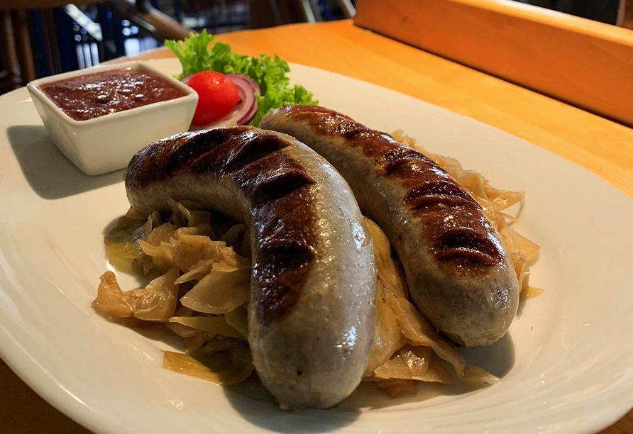 Lassen Sie sich mit deftigen Spezialitäten der deutschen Küche verwöhnen.