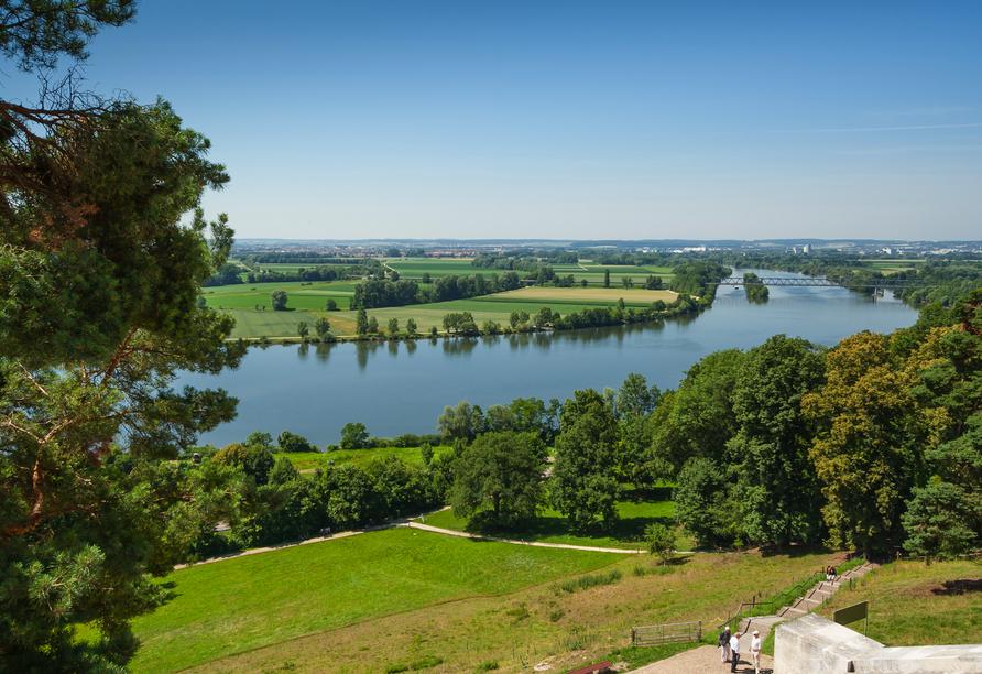 Ausblick auf die Donau von der Walhalla bei Regensburg