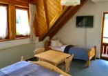 Beispiel eines Dreibettzimmers im Kräuter Chalet