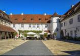 Im Restaurant des Schloss Filseck können Sie sich mit kulinarischen Gaumenfreuden verwöhnen lassen.