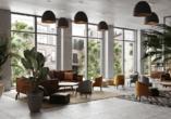 Das neu gebaute Hotel erwartet Sie mit einer stilvollen Atmosphäre.