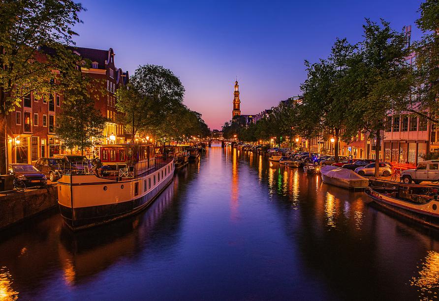 Hotel the niu Fender in Amsterdam, Niederlande, Grachten bei Nacht