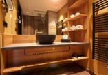 Ostsee Resort Dampland, Beispiel Superior-Zimmer Badezimmer