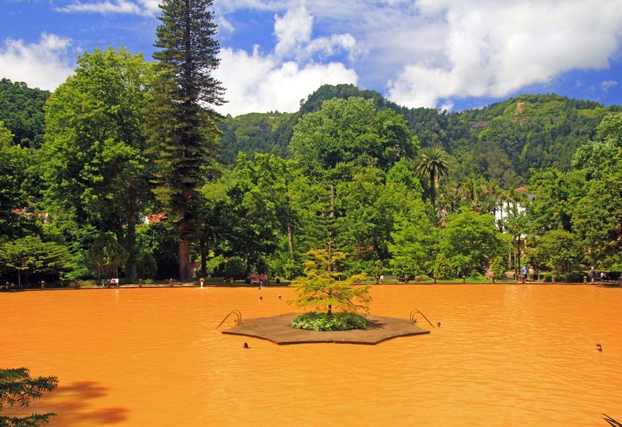 Hübsche Gärten und Parks wie der Terra Nostra laden zum Genießen ein.