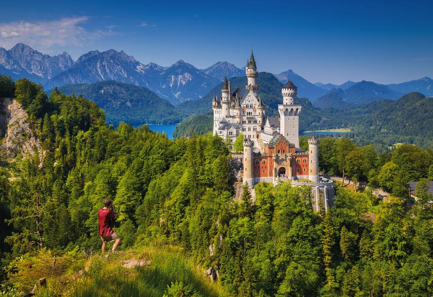 Das beeindruckende Schloss Neuschwanstein ist einen Ausflug wert.