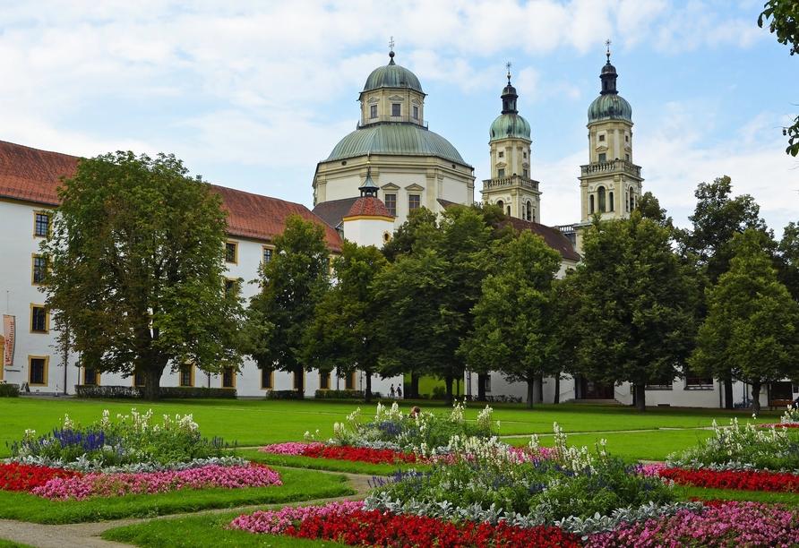 Bei einem Besuch von Kempten sollten Sie sich die St. Lorenz Basilika nicht entgehen lassen.