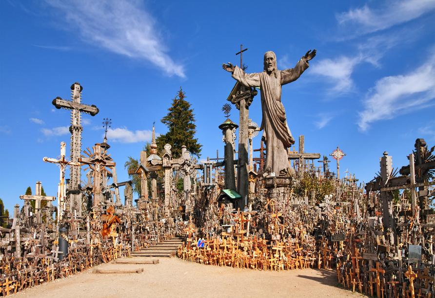 Der Wallfahrtsort Berg der Kreuze in Siauliai beherbergt über 100.000 Kreuze.