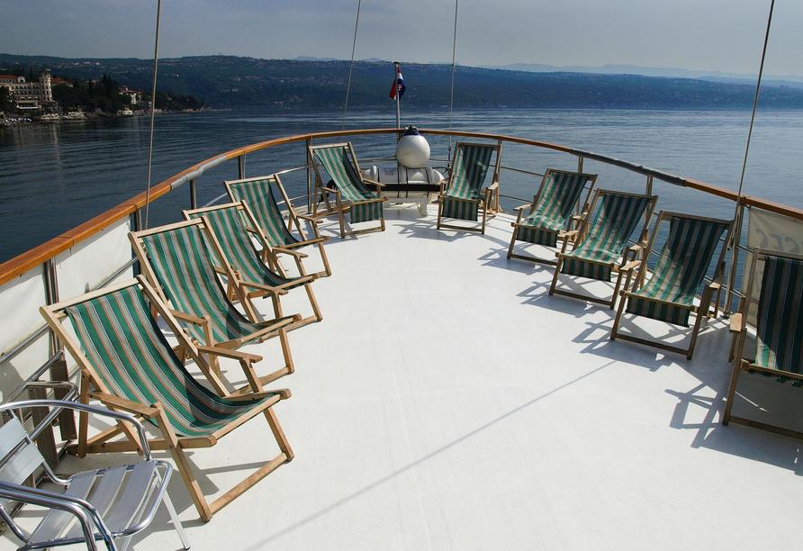Blaue Reise Dalmatien, Liegen Schiffsdeck