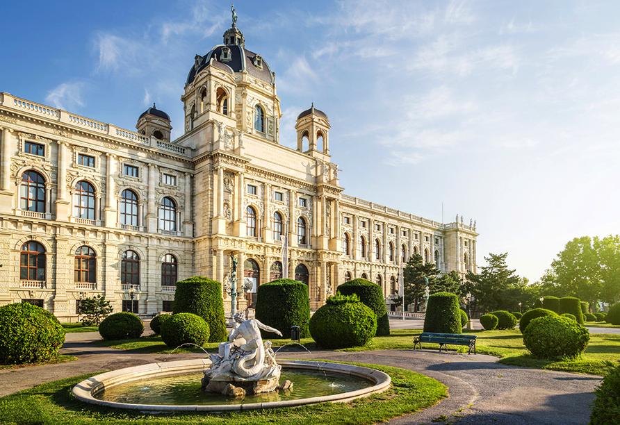Für Kultur- und Naturbegeisterte lockt das Naturhistorische Museum mit einer beeindruckenden Sammlung.
