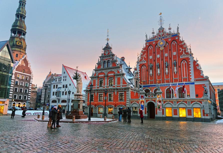 Das Schwarzhäupterhaus befindet sich im zum UNESCO-Weltkulturerbe gehörenden Zentrum von Riga.