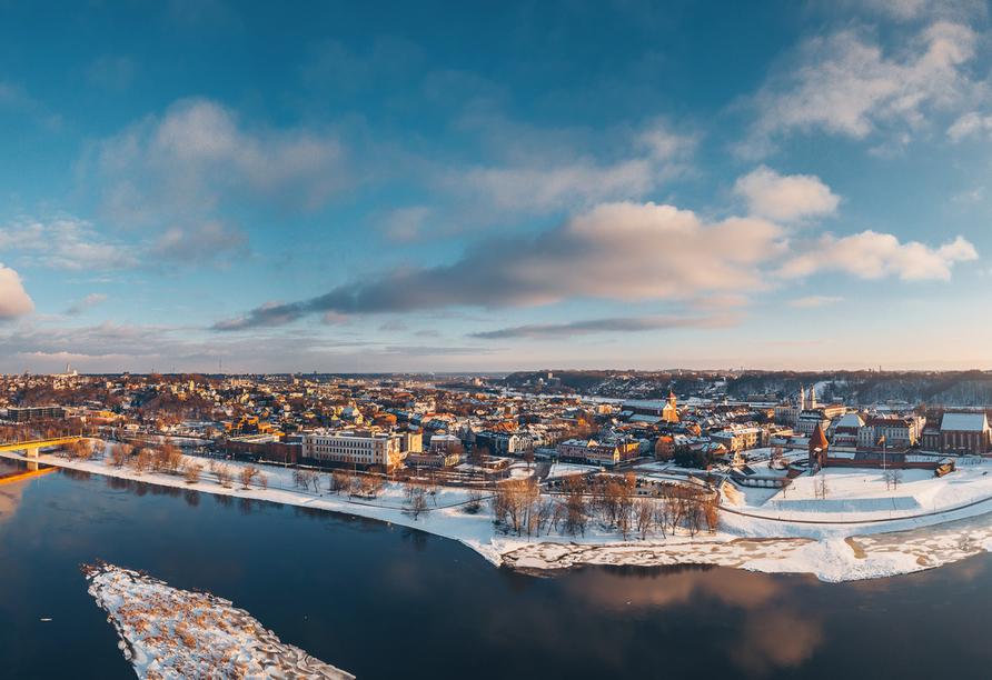 Kaunas weiß mit einer traumhaften Landschaft zu begeistern.