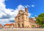 Speyer ist insbesondere für seinen prächtigen Dom bekannt.