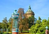 Bei einem Ausflug nach Mannheim lohnt sich ein Spaziergang durch den Stadtpark.