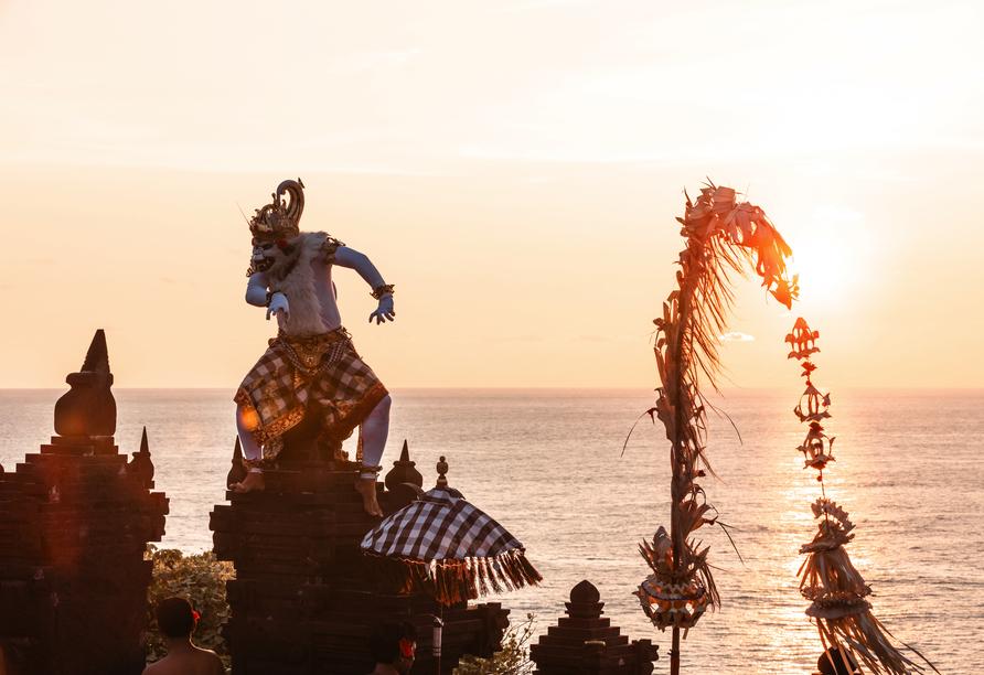 Der Kecak-Tanz am Uluwatu Tempel wird Sie begeistern!