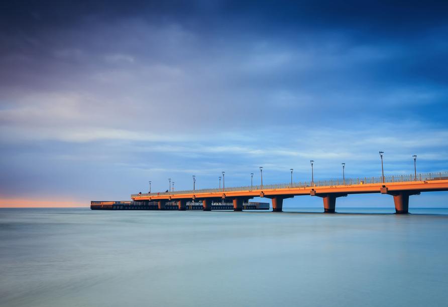 Blick auf die eindrucksvolle Kolberger Seebrücke