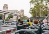 Freuen Sie sich auf eine ausgiebige Stadtrundfahrt durch Barcelona.
