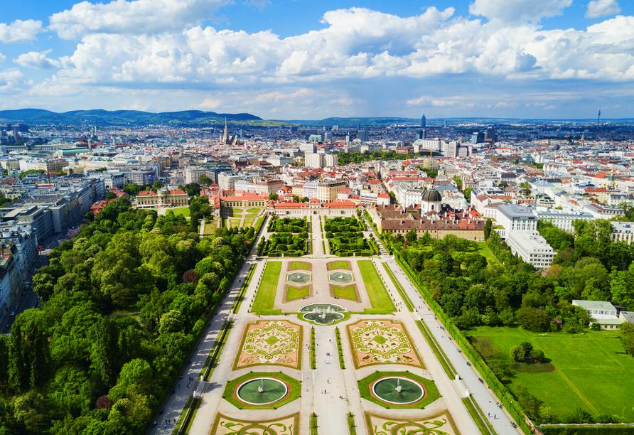 MS Amelia ab/an Passau, Wien Schloss Belvedere