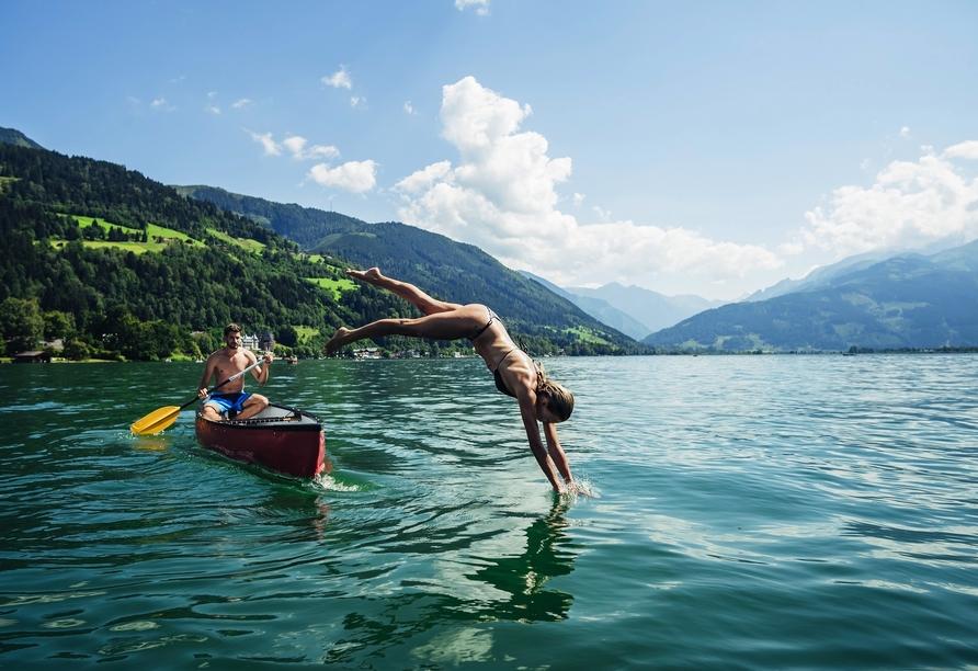 Der klare Zeller See lädt bei schönem Wetter zu einem Sprung ins kühle Nass ein.