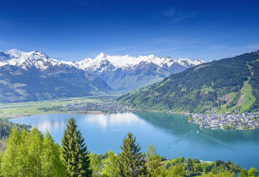 Zell am See erwartet Sie mit atemberaubenden An- und Ausblicken.