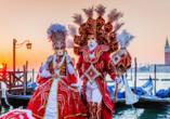 Erleben Sie hautnah den extravaganten venezianischen Karneval.
