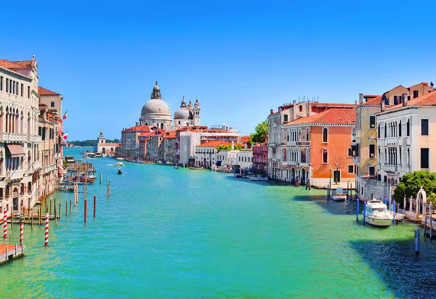 Der Grande Canal führt direkt zur barocken Kirche Santa Maria della Salute.