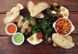 Lassen Sie sich die Spezialitäten der Kanarischen Küche schmecken.