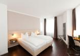 MS VIVA INSPIRE , Zimmerbeispiel Manhattan Hotel Frankfurt