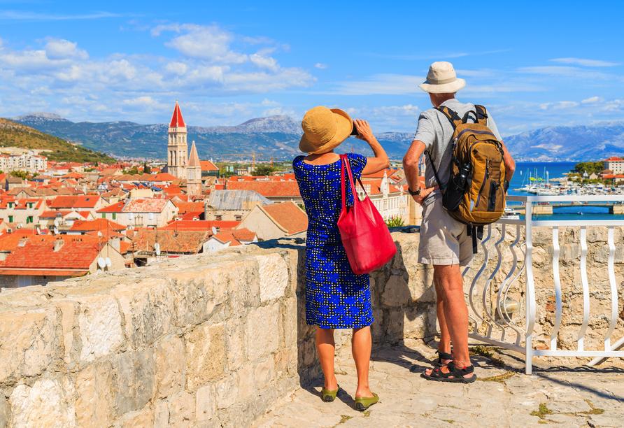 Genießen Sie Ihre gemeinsame Zeit an der kroatischen Adriaküste.