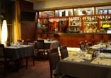 Lassen Sie sich im Restaurant des Hotels mit leckeren Speisen verwöhnen.