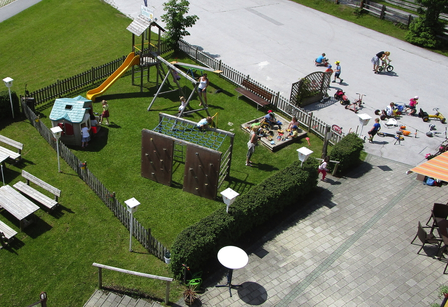 Hotel Sonneck in Rohrmoos Schladming, Spielplatz