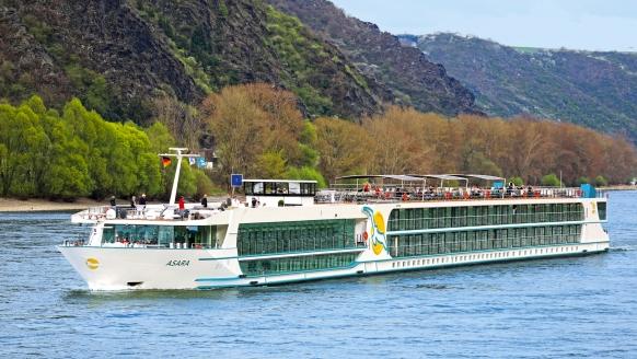 MS Asara ab/an Frankfurt am Main, Außenansicht Schiff